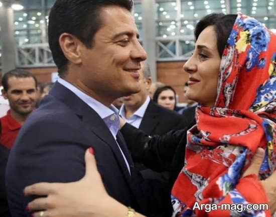 استقبال عاشقانه همسر فغانی در فرودگاه از همسرش
