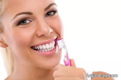 تمیز کردن دندان به شکل خانگی
