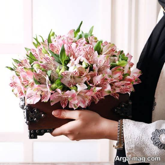 گل کادویی با تزیین سبدی