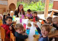 میان وعده برای مهد کودک