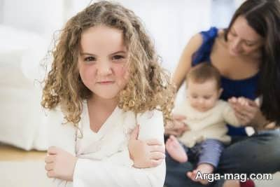دلایل حسادت فرزند بزرگتر به کوچک