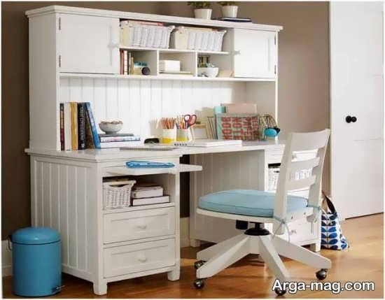 میز کامپیوتر با تم سفید