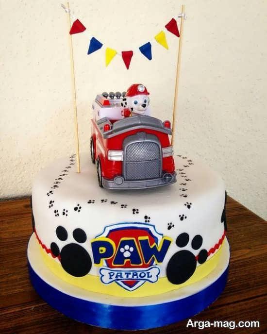 کیک تولد با تزیین سگهای نگهبان