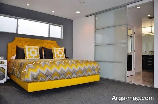 طراحی زیبای اتاق با تم خاکستری-زرد
