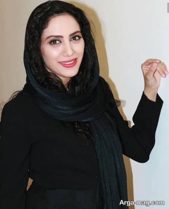 بیوگرافی مونا فرجاد