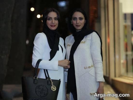 عکس های مونا فرجاد و خواهرش