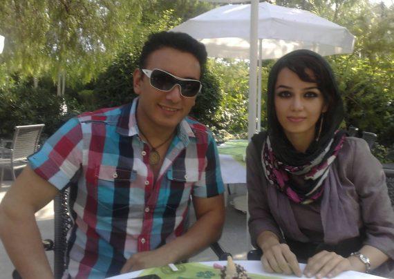 آرایش زیبا مونا برزویی(شاعر و ترانه سرای ایرانی)