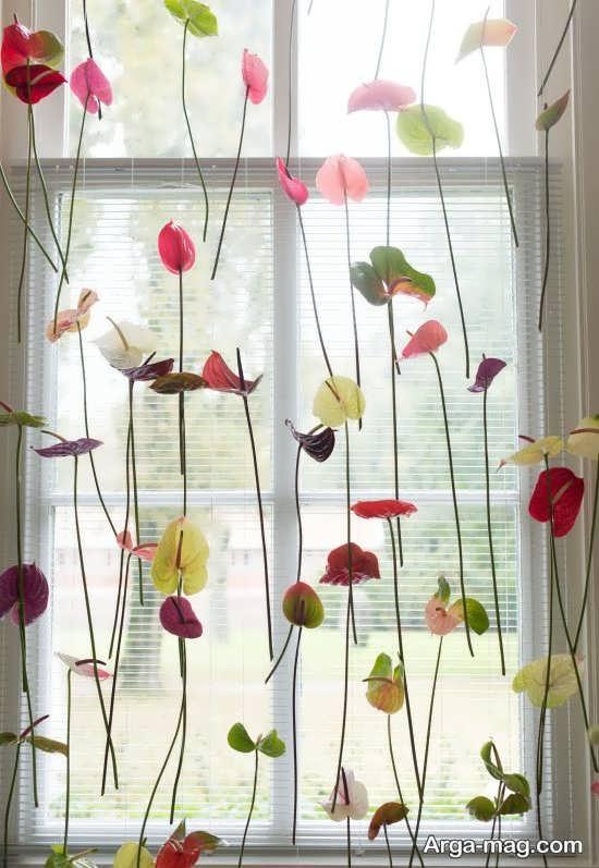 تزیین پرده پنجره اتاق با گل