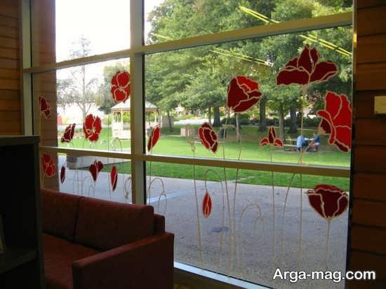 تزیین پشت پنجره با پرچسپ گل