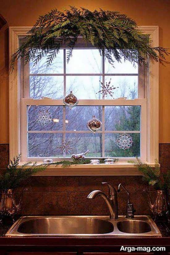 تزیینات پشت پنجره با وسایل ساده
