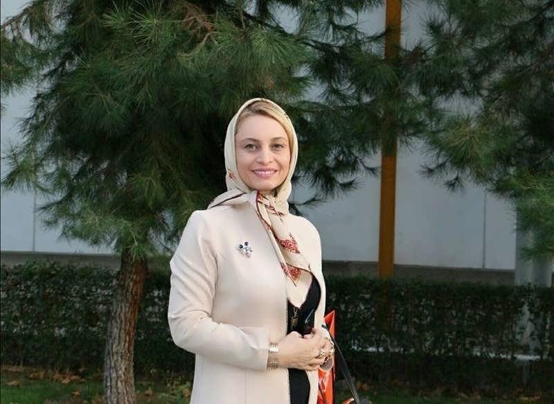 تیپ رسمی مریم کاویانی