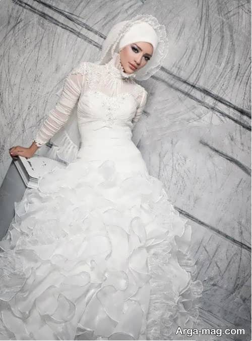 [تصویر:  Bridal-Model-with-Hat-2.jpg]