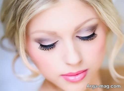 آرایش صورت زیبا با موی بلوند