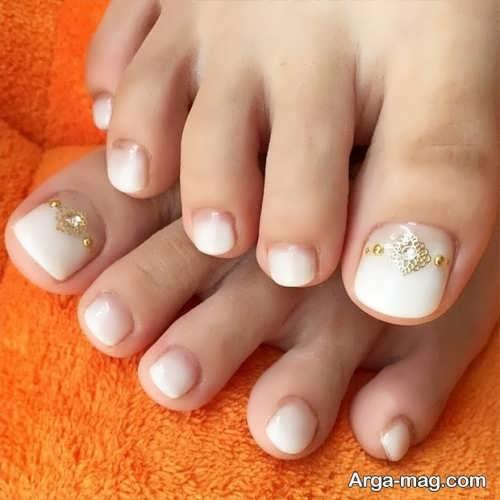 طراحی ناخن پا با نگین