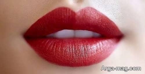 رژلب قرمز دخترانه