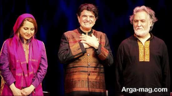 محمدرضا شجریان در حال اجرای کنسرت