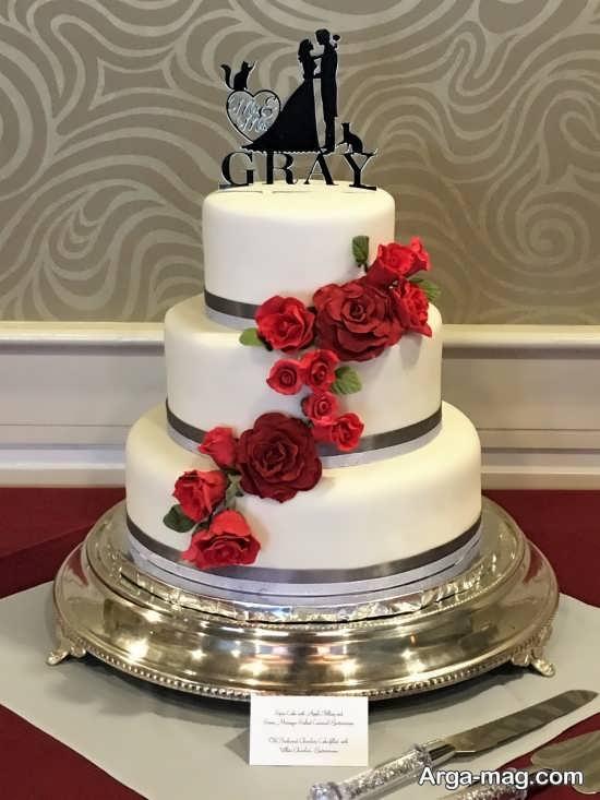 تزیین زیبا کیک عروس با گل