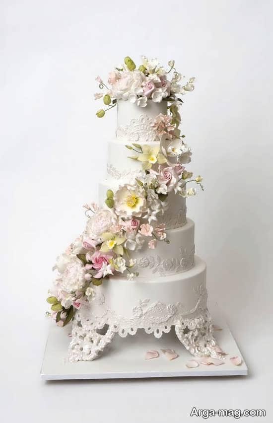 تزیین زیبا کیک عروسی با گل
