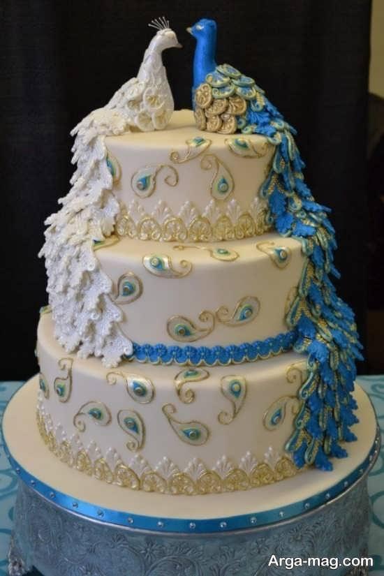 تزیین کیک با خامه سفید و رنگی