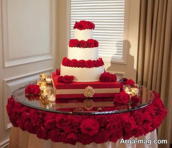 تزیین کیک با گل قرمز