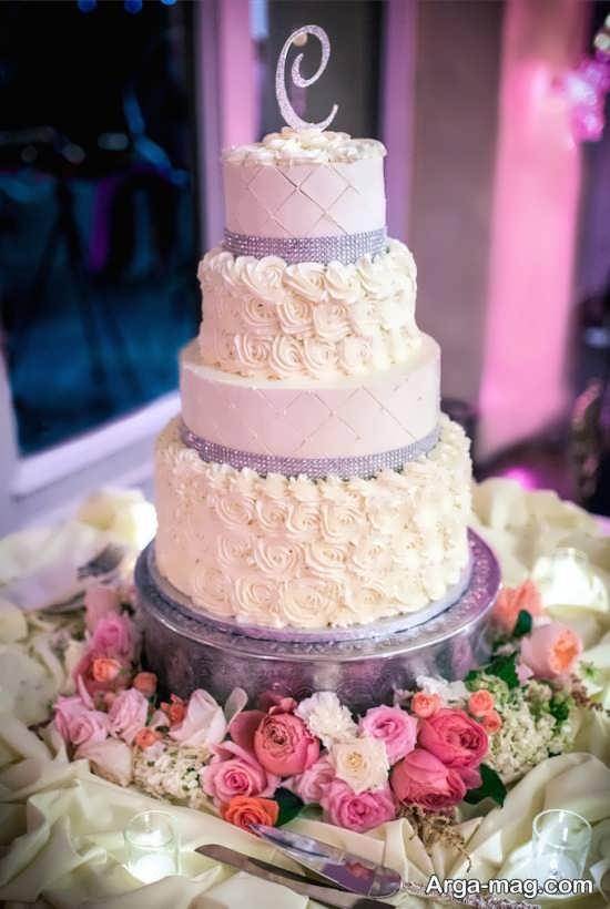 تزیین کیک با خامه فرم گرفته