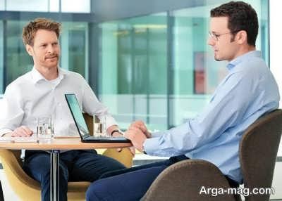 ارتباط بین رفتار شرکت ها با کارمندان و مشتریان