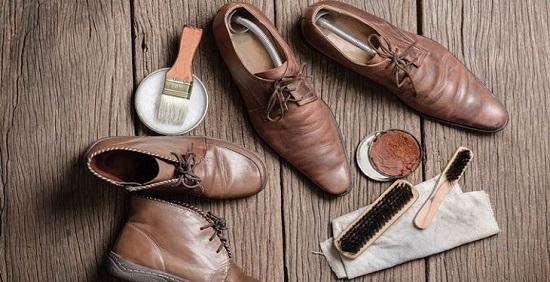 روش تمیز کردن کفش چرم