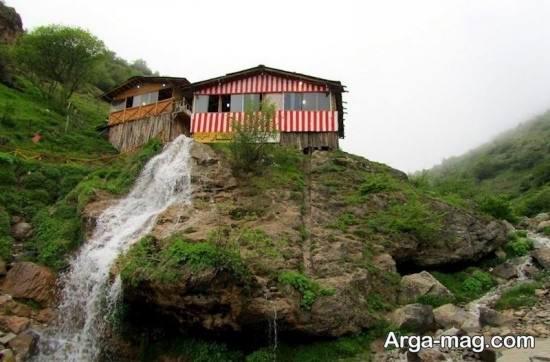 آبشار بلند جواهرده