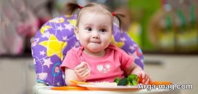 نوزاد ده ماهه باید چه غذایی بخورد