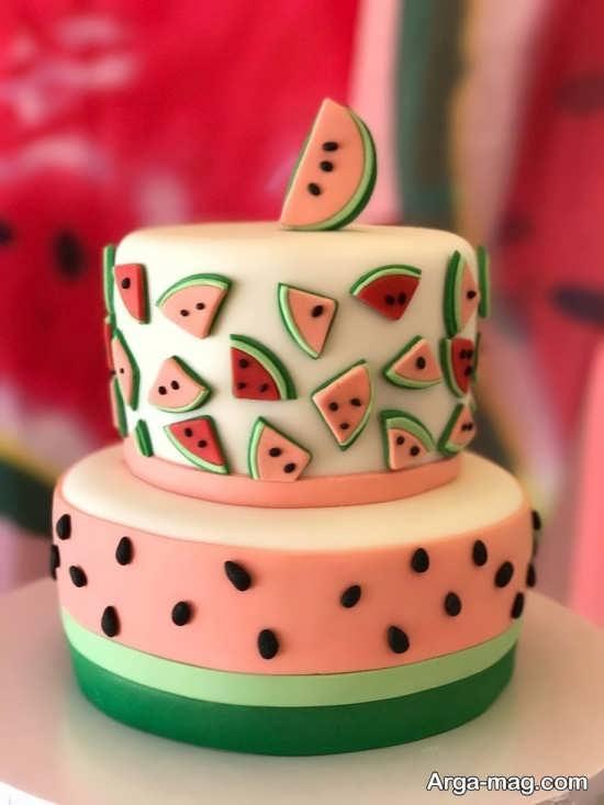 تزیین خلاقانه کیک برای شب یلدا