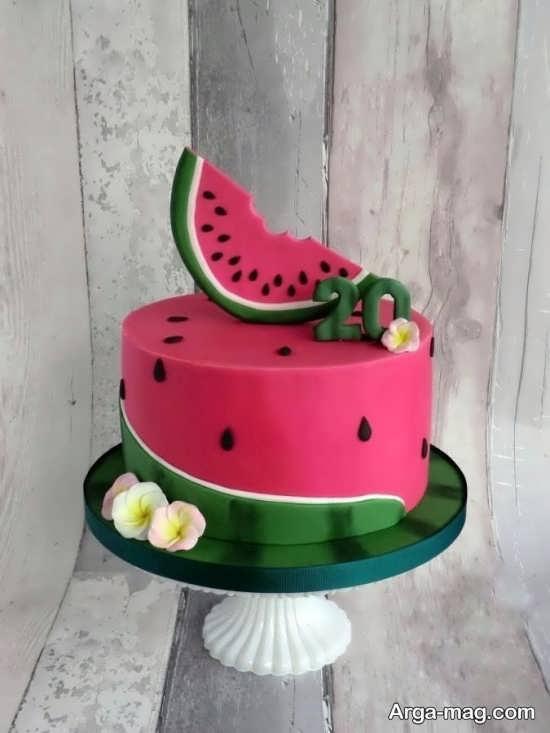 تزیین فانتزی کیک برای شب یلدا