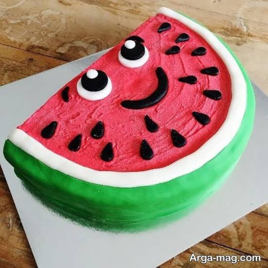تزیین دوست داشتنی کیک برای شب یلدا