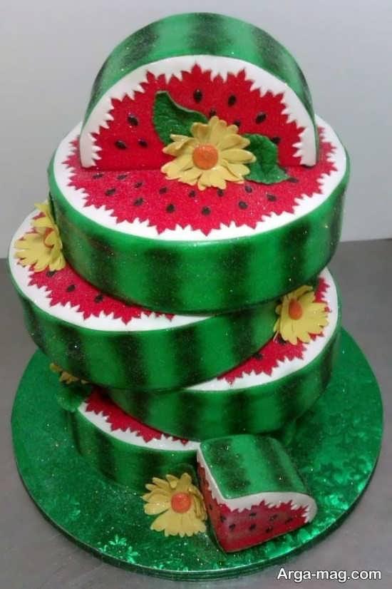 تزیین کیک با طرح زیبا برای شب یلدا