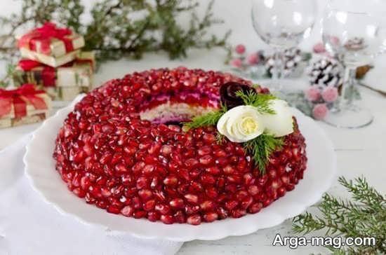 تزیینات کیک با انار دون شده