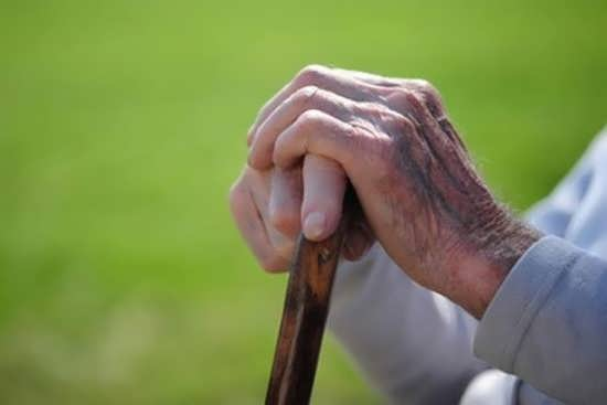 پروفایل قشنگ برای افراد سالمند