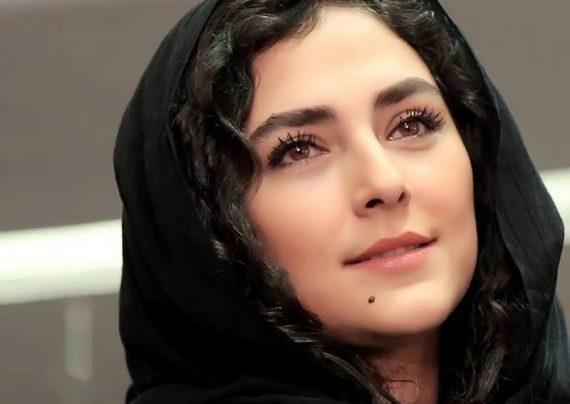 هدی زین العابدین با رژلب قرمز