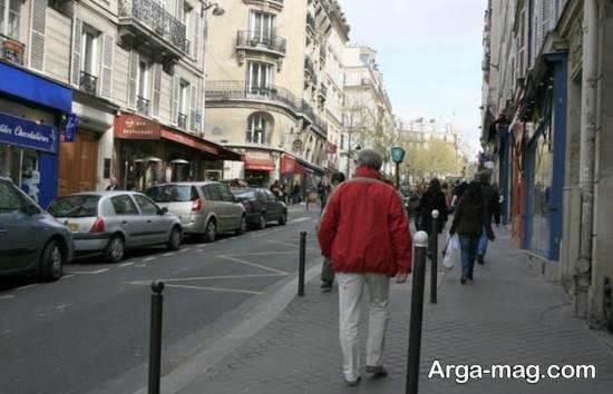 بازاری در پاریس