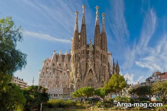 کلیسای زیبای اسپاینا