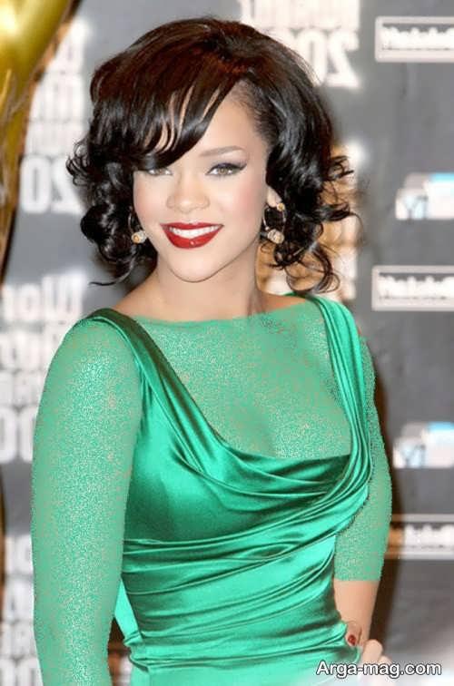 آرایش صورت با لباس سبز روشن