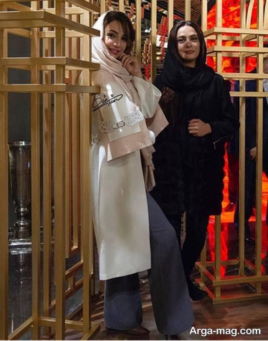 شبنم قلی خانی با ژست لبخند در کنار مارال فرجاد