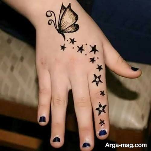 نقش جالب و زیبا حنا روی دست