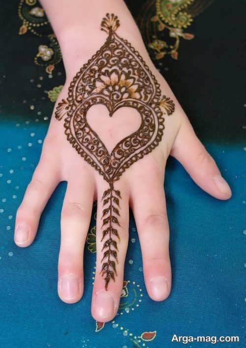 طرح حنا زیبا روی دست