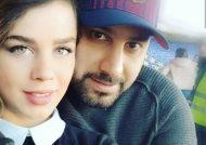 موتور سواری احسان خواجه امیری و همسرش