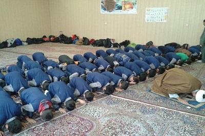 خواندن نماز جماعت