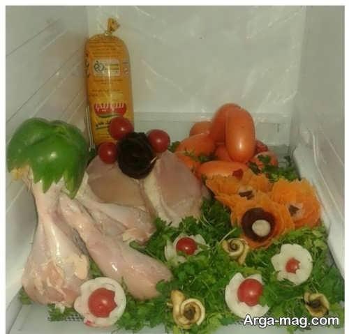 تزیین سبزی و گوشت مرغ برای یخچال نوعروس