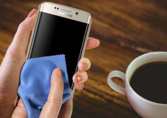 تمیز کردن گوشی به دو روش مختلف