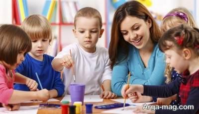 ایفای نقش مربیای در تربیت کودک