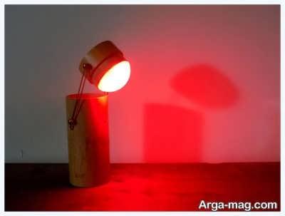 چراغ مطالعه با نور قرمز