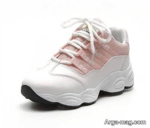 مدل کفش صورتی و سفید زنانه