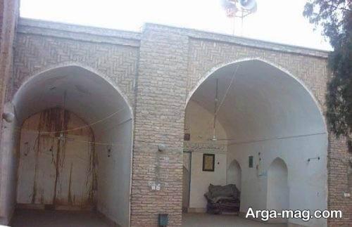 از مکان های دیدنی شهرزرند مسجد حسینه قلعه
